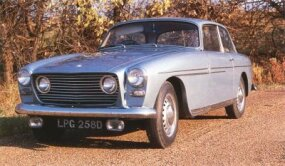 On the Bristol 409, relative narrowness betrays its Thirties-era ex-BMW chassis design.