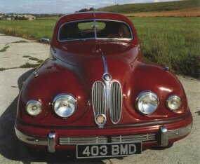 The Bristol 403 served as an updated version of the 401 -- it received a few upgrades under the hood, but most of the cosmetics remained largely unchanged.