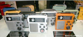 More hand-cranked emergency radios