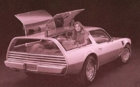 The Pontiac Type K concept car sported top-hinged rear side windows that swung up in a gullwing fashion. The tailgate was fixed in place.