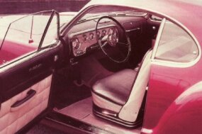 The D'Elegance's wood-panel interior found its way into the Chronos concept car.