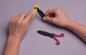 Shape the antenna using colored chenille stems.