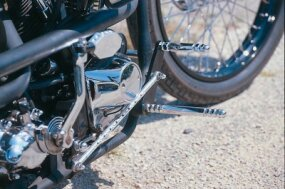 Footpegs and kick lever.
