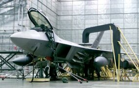 Raptor equipped with optional external fuel tanks