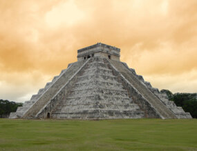 The Mayan pyramid in Chichen Itza.