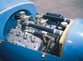 Under the hood, the original NieKamp Roadster had a 1942 Mercury flathead V-8.