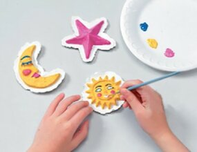 Paint the paper craft magnets in your favorite colors.