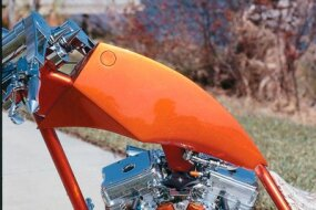 The sleek, flush-mounted fuel cap on the Sabre Tooth chopper.