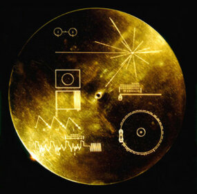 The decoding instructions and map on the cover of the golden record