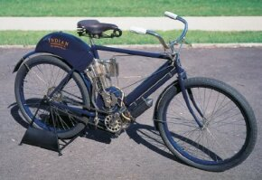The 1904 Indian motorcycle used a reliable direct-drive chain as opposed to the more common leather belt.