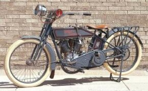 A three-speed transmission was offered for the 1915 Harley-Davidson models.