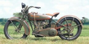 With the 1925 JD motorcycle, Harley-Davidson unveiled a huskier, more muscled look.