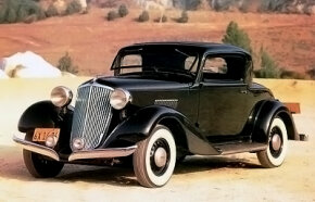 The 1934 Graham Blue Streak Six rumble seat coupe sported a stylish split front bumper. It was powered by a 224-cid, 85-bhp L-head six.