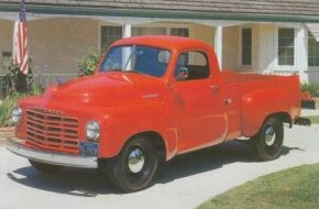 1951 models had new tube shock absorbers in front; this 2R5 bears the extra-cost chrome front bumper.