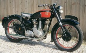 The B33 was typical of early postwar BSAs, with a 500-cc overhead-valve single. See more motorcycle pictures.