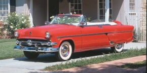 The 1954 Ford Crestline Sunliner Convertible was well-equipped with high technology for its day. See more pictures of classic cars.