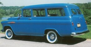 Buyers of the Suburban Carryall wagon had a choice of parallel vertical panel doors or a more station-wagonlike two-piece tailgate.