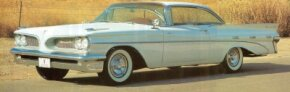Huge backlight and compound-curve windshield marked the 1959 Bonneville Sport Coupe.