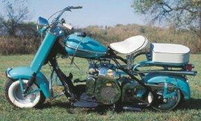 The Cushman Eagle's dual exhausts were big-bike cues.