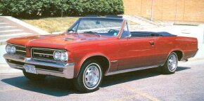 The GTO's A-body platform was shared with the Chevrolet Chevelle, Oldsmobile F-85/Cutlass, and Buick Special/Skylark.