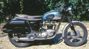 Unit construction allowed the 1965 Triumph Bonneville a compact design.