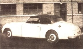 The Saloon was a hardtop version of the Jensen Interceptor Cabriolet.