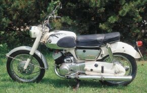 Unlike many Suzuki motorcycles to come, the T10 was designed with commuters rather than racers in mind.
