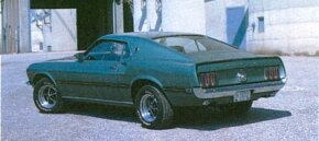 Standard engine on the 1969 Mach 1 was 351 with 250 or an optional 290 bhp.