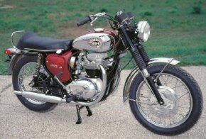 The 1970 BSA Lightning was the last of BSA's twins to have an oil tank beneath the seat. See more motorcycle pictures.