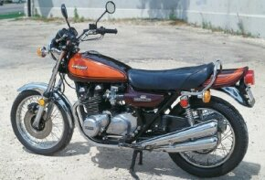 All Kawasaki Z-1s came from the factory in a brown-and-orange color scheme.