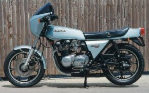 The 1978 Kawasaki Z1-R was the first motorcycle with a factory-installed four-into-one exhaust-header system.