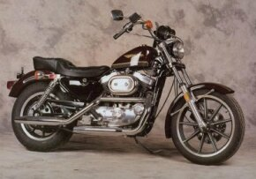 The 1986 Harley-Davidson XLH 1100 introduced the first changes to the Sportster engine in nearly thirty years. See more motorcycle pictures.