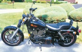 The FXDB Sturgis was powered by the Evolution V-twin, and it rested in a new Dynaglide chassis.