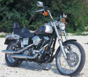 The 1993 FXDWG Wide Glide deftly blended custom styling with proven Harley-Davidson mechanicals. See more motorcycle pictures.