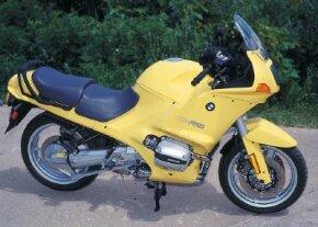 The 1994 R1100RSL enjoyed traditional BMW design.