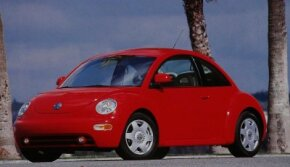 While the original Beetle was a study in basic transportation, the 1998 Volkswagen Beetle -- the New Beetle -- was flush with modern features.