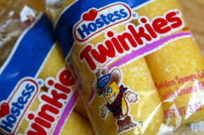 Can you believe the Twinkie is now 80 years old? But it doesn't look at day over 10.