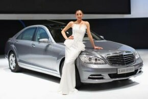 The Mercedes S400 luxury hybrid, the company's first hybrid car, will also be the first car in production to use lithium-ion batteries.