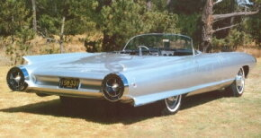 Taillights were another detail included in the redesign of the 1959 Cadillac Cycone. They moved from the deeply concave rear panel to the round bumper pods that gave the car its rocket-ship look.