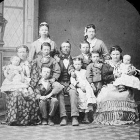 While this Mormon family from the 1890s still practiced polygamy, the LDS church banned all new plural marriages in 1889.