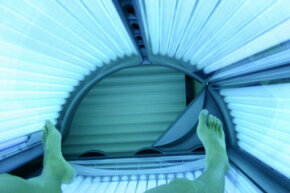 "Tanning addiction is dubbed ""tanorexia."""