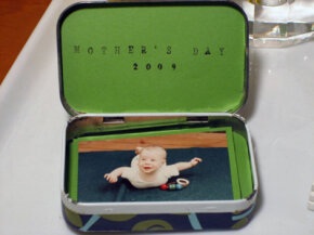 Kate Pruitt's Altoids tin picture frame and photo album is a perfect DIY gift.