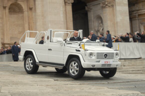 """The Mercedes-Benz G500 """"Popemobile"""""""