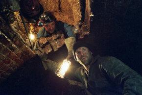 "Daniel Mays (left) and Jason Statham in ""The Bank Job"""