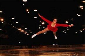 Wearing her trademark wedge haircut, Dorothy Hamill took silver at the 1975 World Championships in Colorado Springs, Colo.
