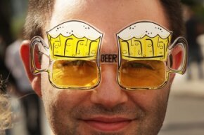 We wonder where this guy's beer goggles score stands.