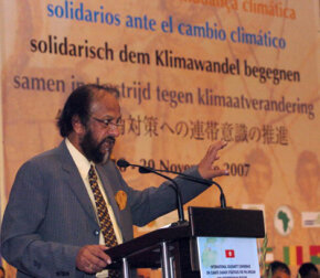 Dr Rajendra Kumar Pachauri, chairman of the International Panel on Climate Change, delivers an address in 2007.