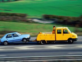Securing a car while towing, whether it's on a trailer or connected by a tow bar, is an extremely important safety measure.