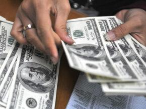 Cash's fatal flaw? It's easily stolen.
