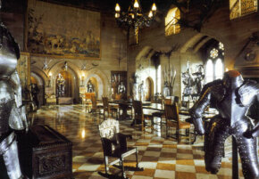 The great hall in Warwick Castle